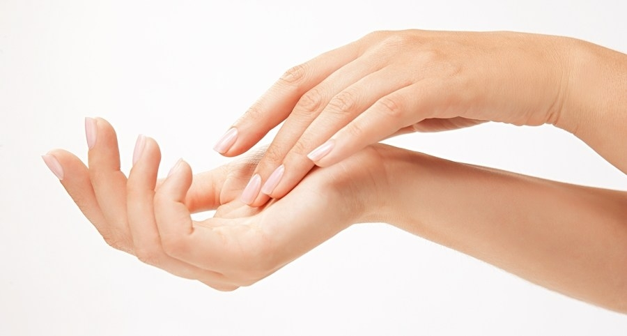 Bad Hand Day – how baobab oil helps eczema